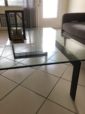 Glass / metal coffee table. Modern style for Sale in Miami, FL