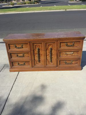 Dresser Bassett Furniture Long 9 Drawer Dresser for Sale in Clovis, CA