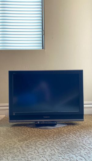 "31"" Panasonic TV with Remote Control for Sale in Gilbert, AZ"