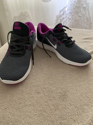 Shoes size 6 women's for Sale in Mission Viejo, CA