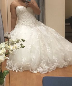 Beautiful Lace corset wedding dress and matching Veil for Sale in West Palm Beach, FL