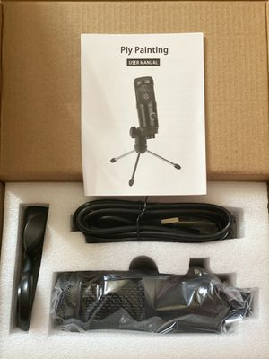 Tabletop microphone with tripod for Sale in Virginia Beach, VA