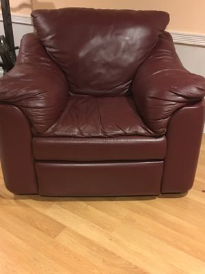 Klaussner leather recliner for Sale in Millis, MA