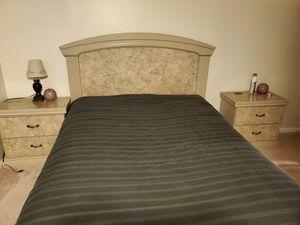 5 piece Queen bedroom set for Sale in Laurel, MD