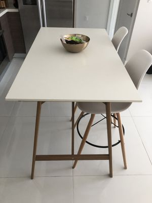 IKEA High Table with Bar Stools for Sale in Miami, FL