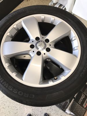 4 rims came off Mercedes Benz 2010 ML 350 with 4 tires (2 like new). for Sale in Newport Beach, CA