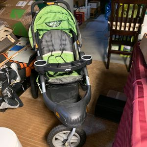 Jeep baby jogging walking stroller for Sale in Hammonton, NJ