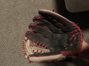 Baseball glove for Sale in Modesto, CA