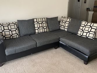 "Sectional Sofa - 110"" W - 73"" D - 37"" H for Sale in Tampa,  FL"