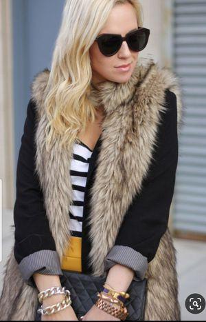 💕Beautiful Womens Faux Fur Vest 💕 for Sale in Downey, CA