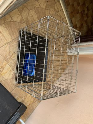 Animal crate 30 x 24 for Sale in Miami, FL