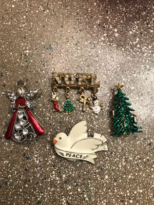 4 Christmas brooches for Sale in Nashville, TN