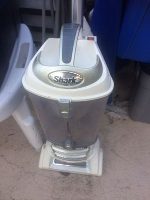 Shark vacuum for Sale in Davie, FL