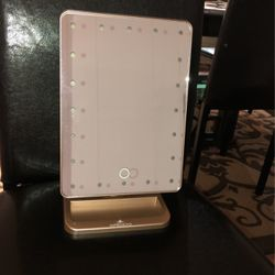 Vanity Makeup Mirror With Lights for Sale in Deer Park,  NY