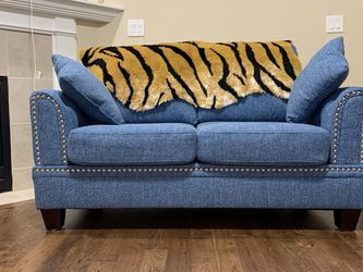 Tuffed Ottoman Sofa Set - Almost New for Sale in Beaverton,  OR