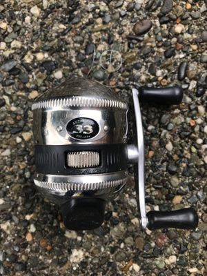 Zebco 33 fishing reel. for Sale in Everett, WA