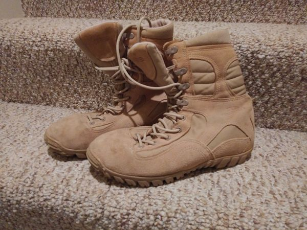 Men's Size 8 Belleville Work Boots with Vibram Bottom Great Condition [Retail $205] worn once on a job site