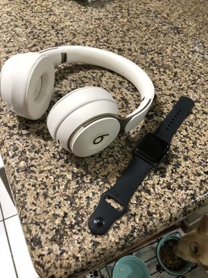 New beats solo pro and Apple Watch series 3 for Sale in Los Angeles, CA
