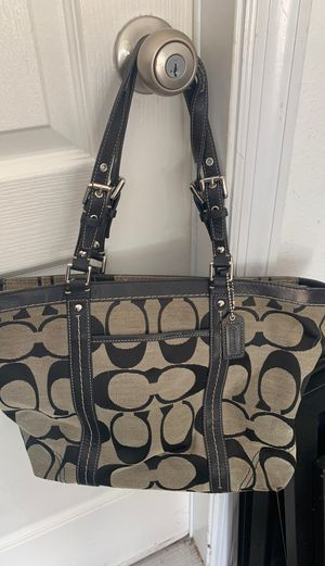 Coach purse for Sale in Balm, FL