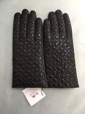 NWT Coach Signature Quilted Black Leather Gloves (size 7) for sale!!!! for Sale in Fairfax Station, VA
