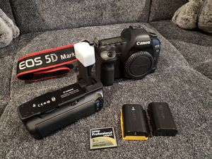 CANON 5D-MARKII DSLR for Sale in Englishtown, NJ