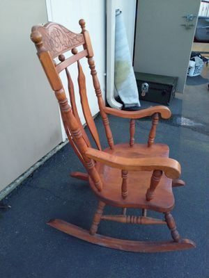Antique Rocking Chair for Sale in Kent, WA