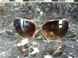 Jessica Simpson sunglasses pre-owned for Sale in Salinas, CA