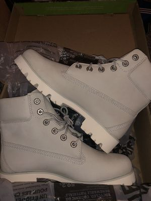 Timberlands woman size 7 $45 for Sale in Lathrop, CA