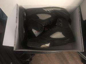 Air jordan 5 original black metallic silver with Nike logo for Sale in Miami, FL
