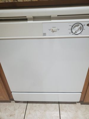 Whirlpool Dishwasher for Sale in Fort Worth, TX