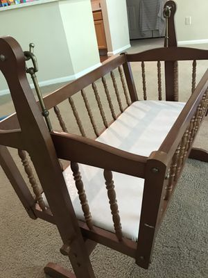 Baby swing and comforter for Sale in Dublin, OH