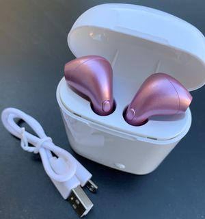 New Wireless Bluetooth Headphones in pink for Sale in Las Vegas, NV