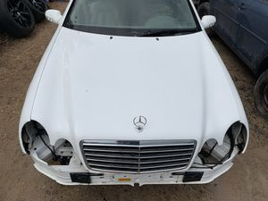 Parting out 2002 Mercedes Benz clk 320 for Sale in Austin, TX