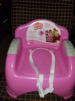 Booster seat resite 65lib y tiene correas ajustables para cualquier silla for Sale in Hyattsville, MD