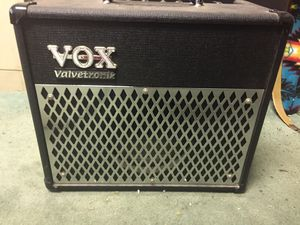 Vox AD15 Valvetronix Amp for Sale in East Los Angeles, CA