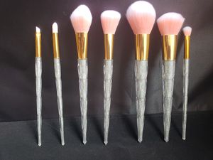 7 pcs beautiful makeup brush set. silver color. cristal Handel. for Sale in Los Angeles, CA