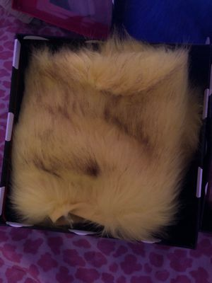 Yellow , blue , pink FAUX FUR B-Mid Ankle 10x9.5 for Sale in Gaston, SC