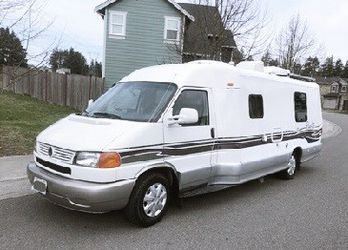 It is equipped with1999 Winnebago rialta 22F for Sale in Rose Valley,  PA