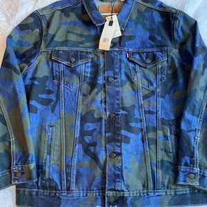 Levi Camo jacket Size 3XL for Sale in Antioch, CA