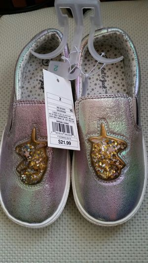 Girl youth shoes, size 2 for Sale in Santa Ana, CA