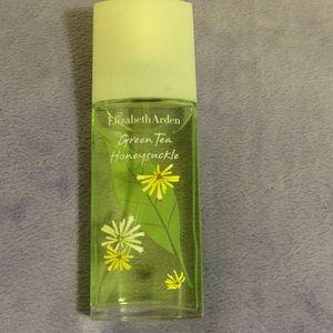 Elizabeth Arden green tea honey suckle perfume for Sale in Pace, FL