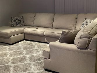 Sectional for Sale in Los Angeles,  CA