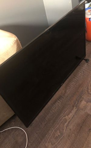 """TCL 32"""" roku smart tv (BROKEN SCREEN) parts for Sale in Columbus, OH"""