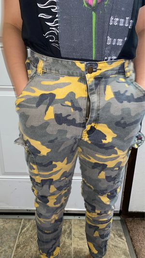 camo pants for Sale in Puyallup, WA
