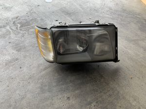 Mercedes E-Class Right Headlight for Sale in Los Angeles, CA