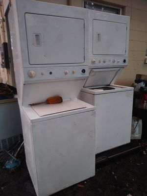Stackable washer and dryer for Sale in Wahneta, FL