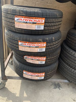 245/65/17 hwy tire for Sale in Arlington, TX