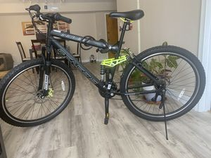 "Genesis 29"" wheels Incline Men's Mountain Bike for Sale in Hollywood, FL"