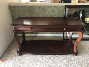 American signature furniture Console table for Sale in Valrico, FL