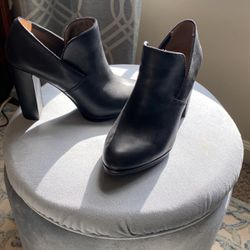 """Black Shoes Size 6.5 """"Me Too"""" Brand for Sale in Harleysville,  PA"""